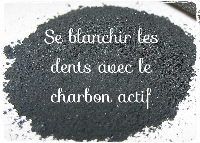 Blanchir ses dents avec du charbon actif noir